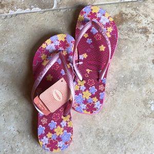 Girls Havaiana's  sandals